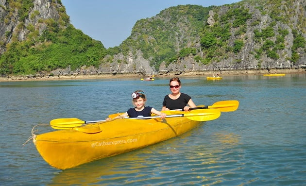 Kayaking Lan Ha Bay