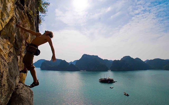 Rock climbing in Lan Ha bay