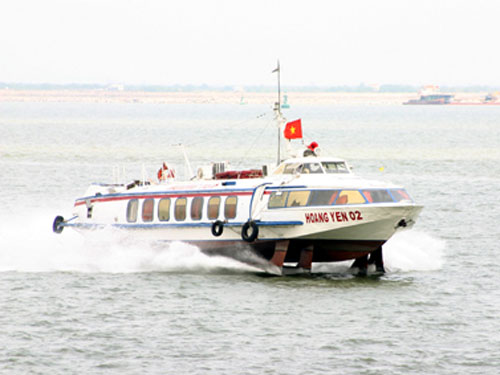 Speedboat to Cat Ba