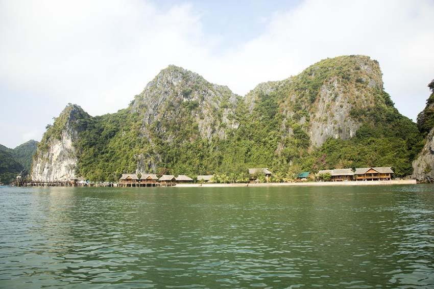 Nam Cát Island Resort