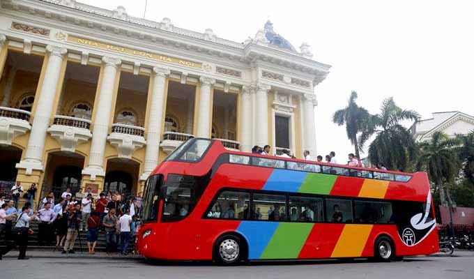 Hop-on Hop-off bus service introduced in Hanoi