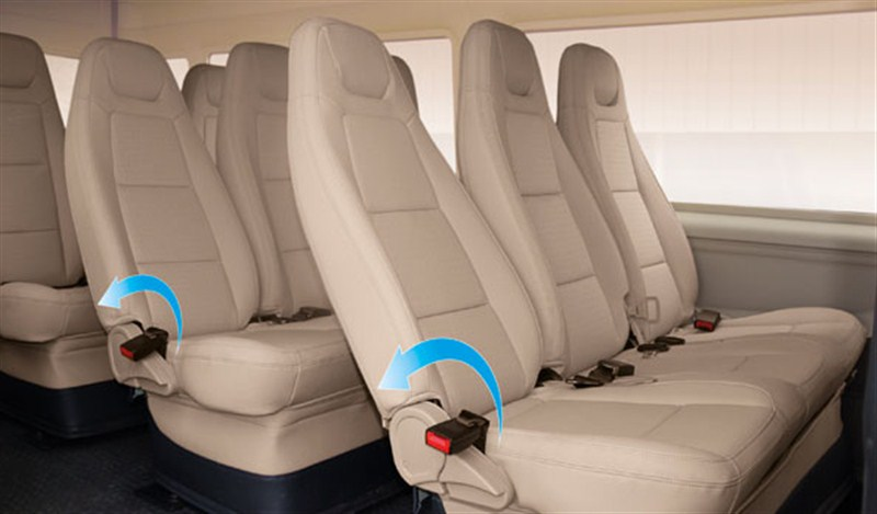 16-seat Car Ha Noi Airport Pick-up or See-off 2