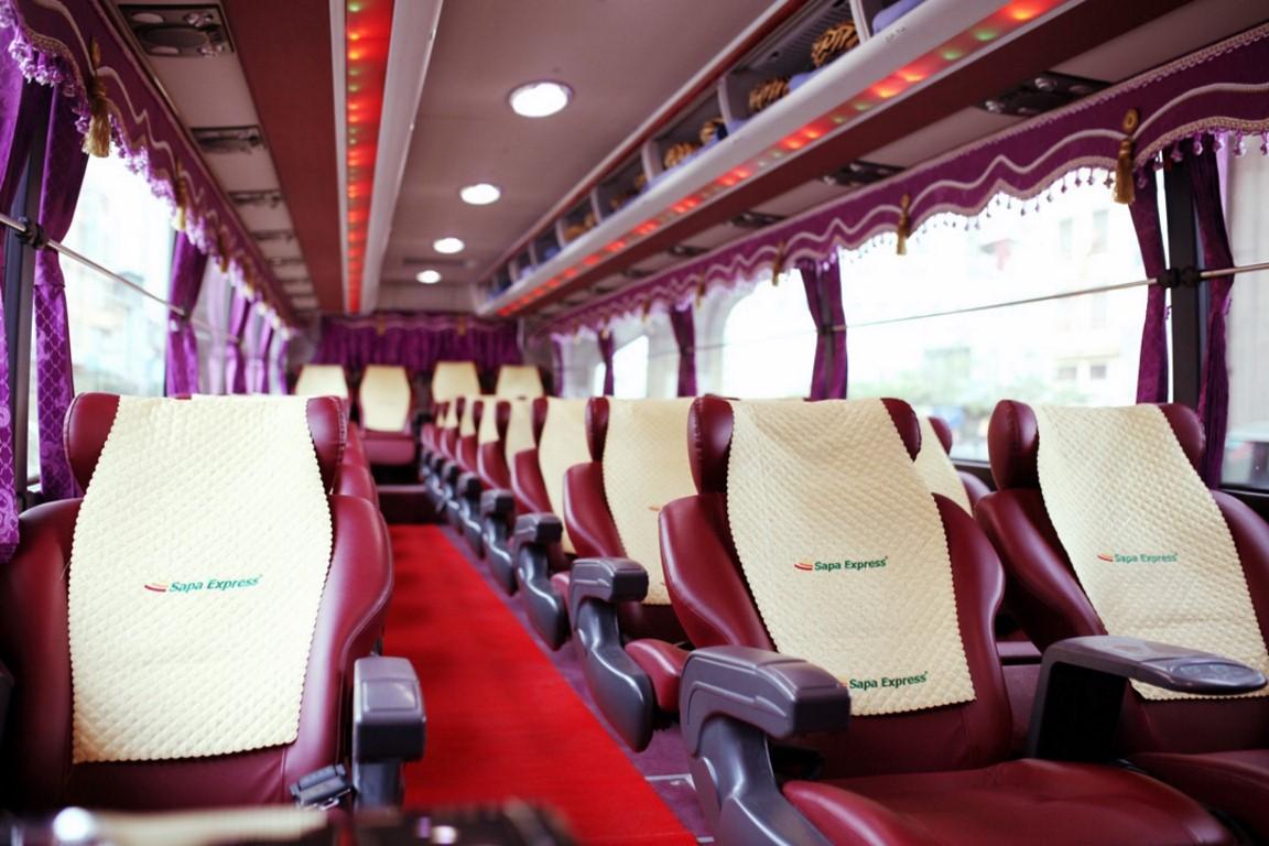 Bus limousine Hanoi to Sapa 1