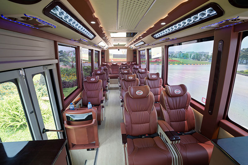 Luxury bus to Cat Ba island 0