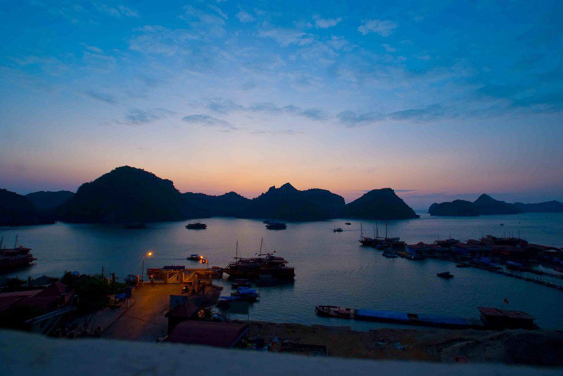 Enjoy the sunset on Lan Ha Bay - Cat Ba