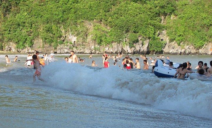 Tung Thu Beach in summer