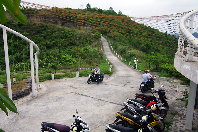 The way to Cannon Fort in Cat Ba