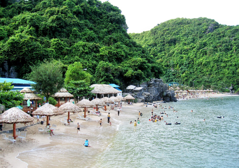 Cat Ba ​Monkey Island beach