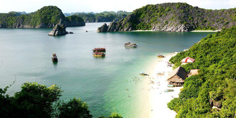 Cat Ba Monkey Island beach