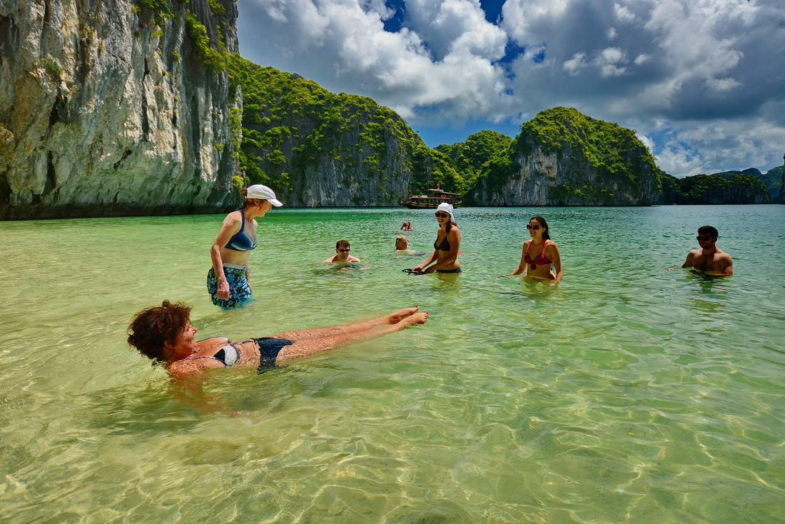 Swimming in Lan Ha Bay