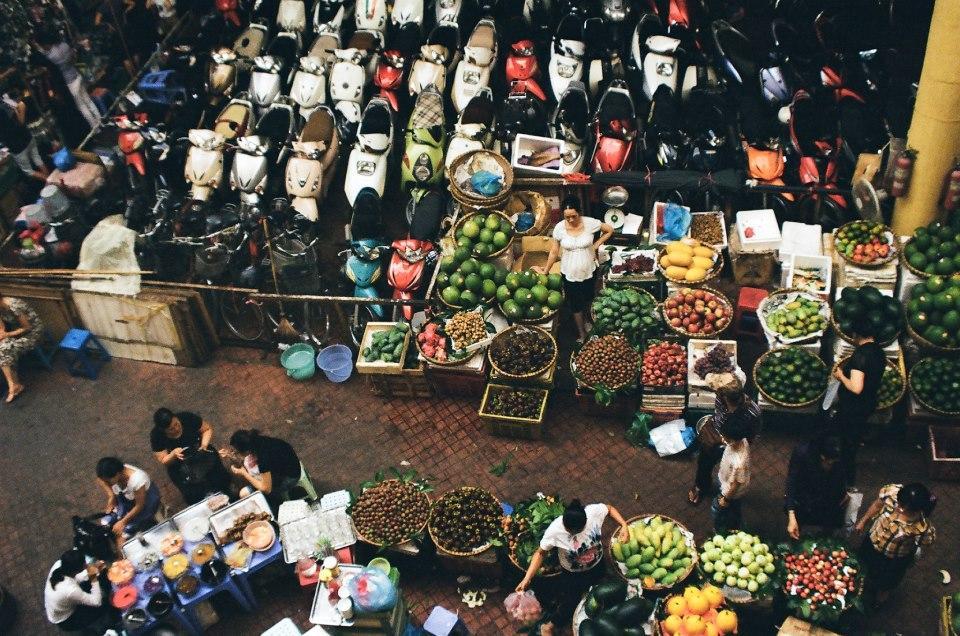 Cat Ba market