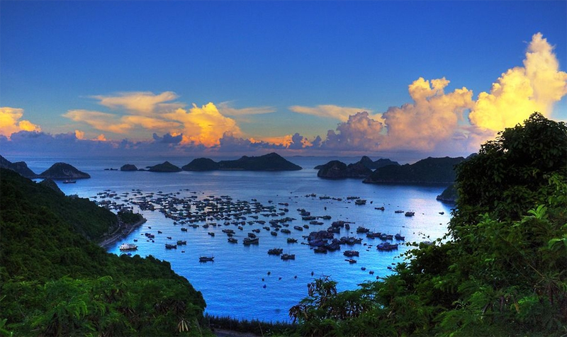 The beauty of Lan Ha Bay - Cat Ba