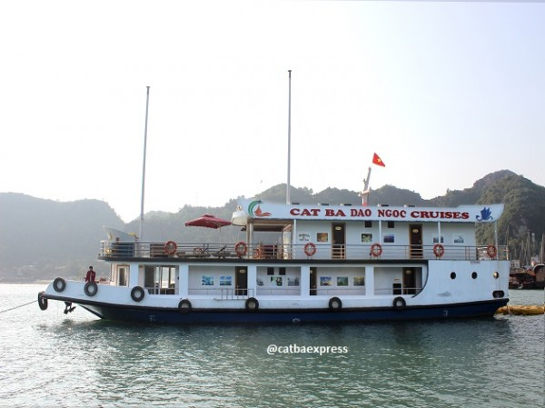 Cat Ba 2 days 1 night by cruise-CAT BA PEARL CRUISE