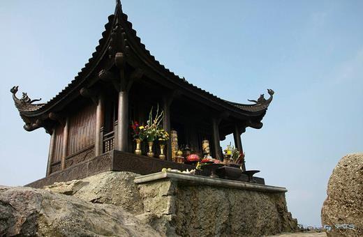 Tour Yên Tử Chùa Ba Vàng