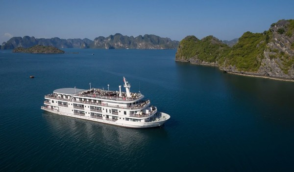 Halong Cat Ba 2days 1night overnight on Cruise
