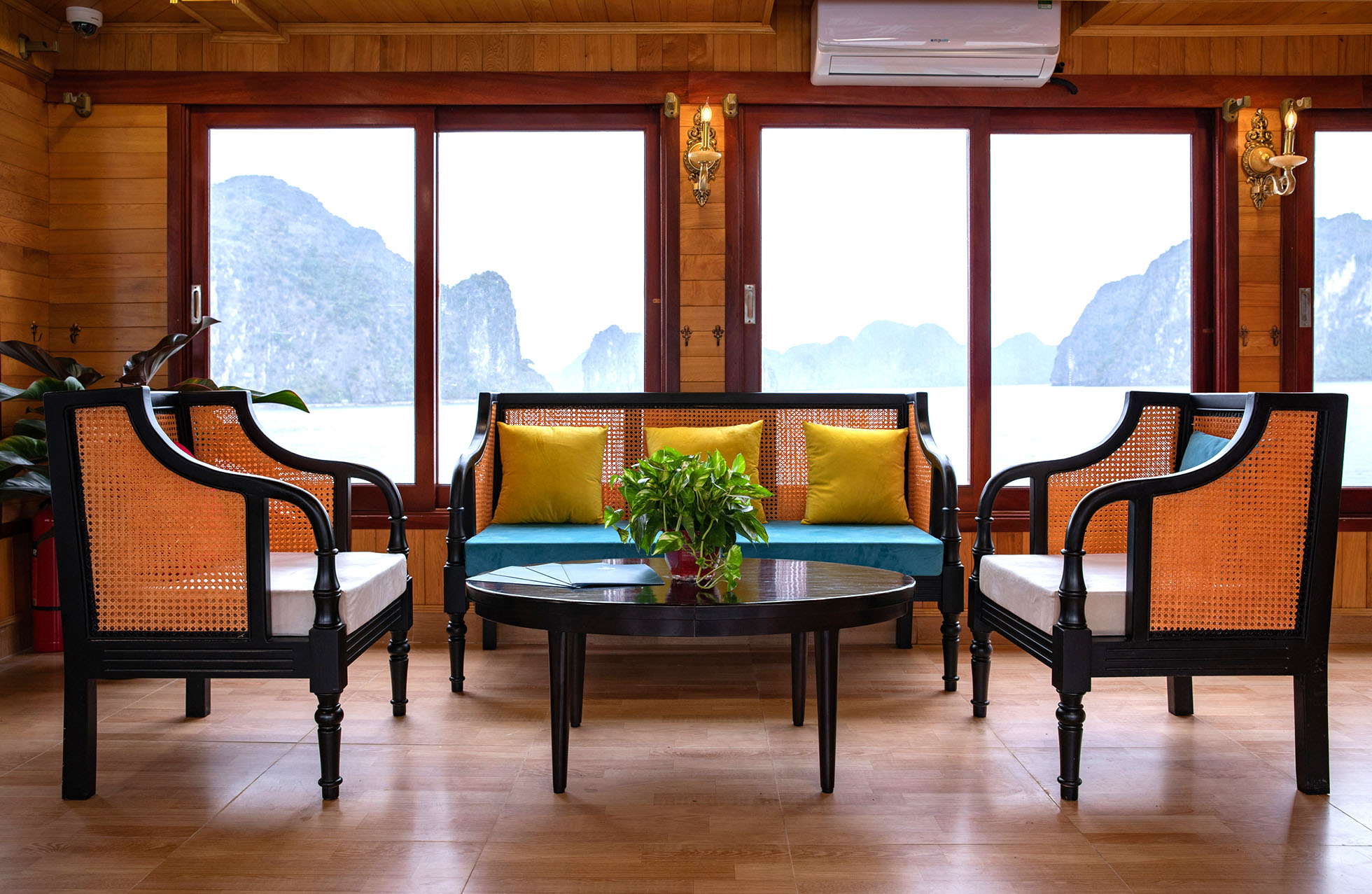 Halong Bay 1 day tour from Hanoi by Cruises 2