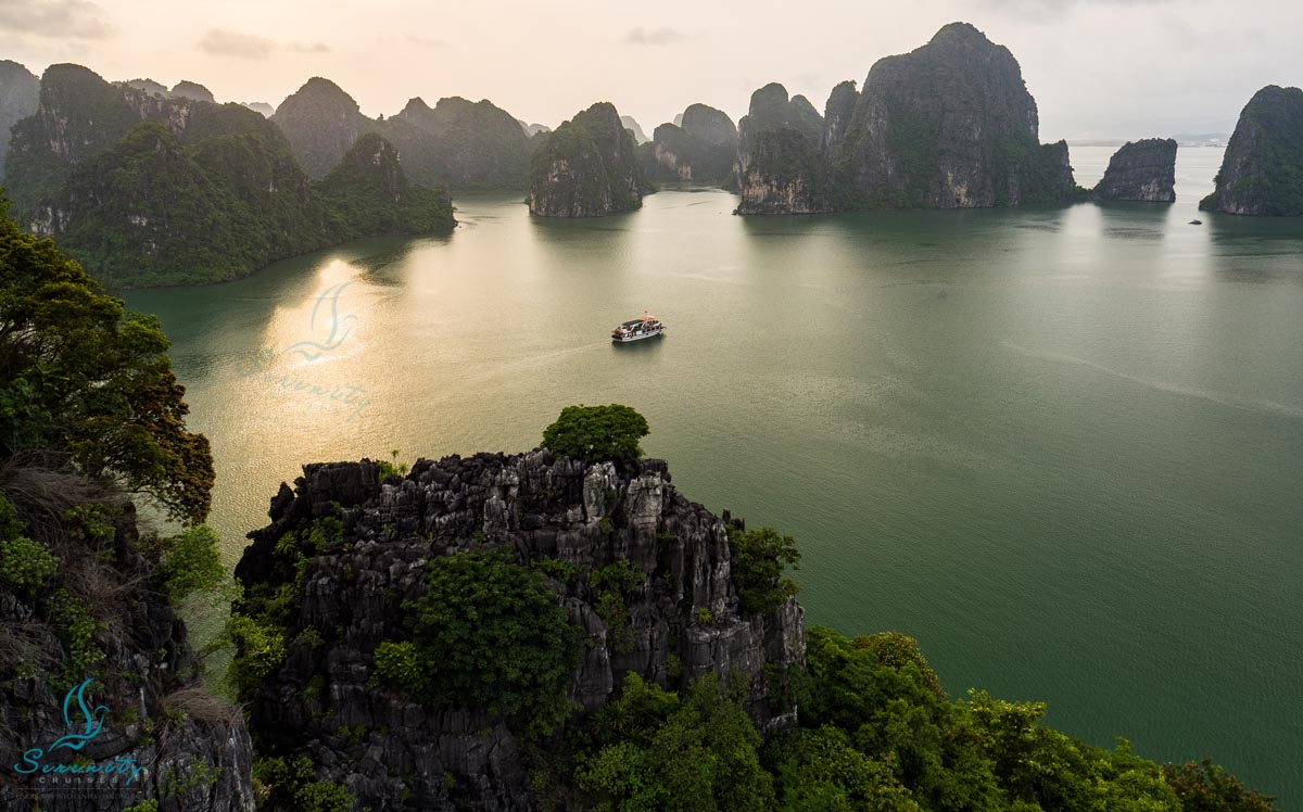 Halong Bay 1 day tour from Hanoi by Cruises 4