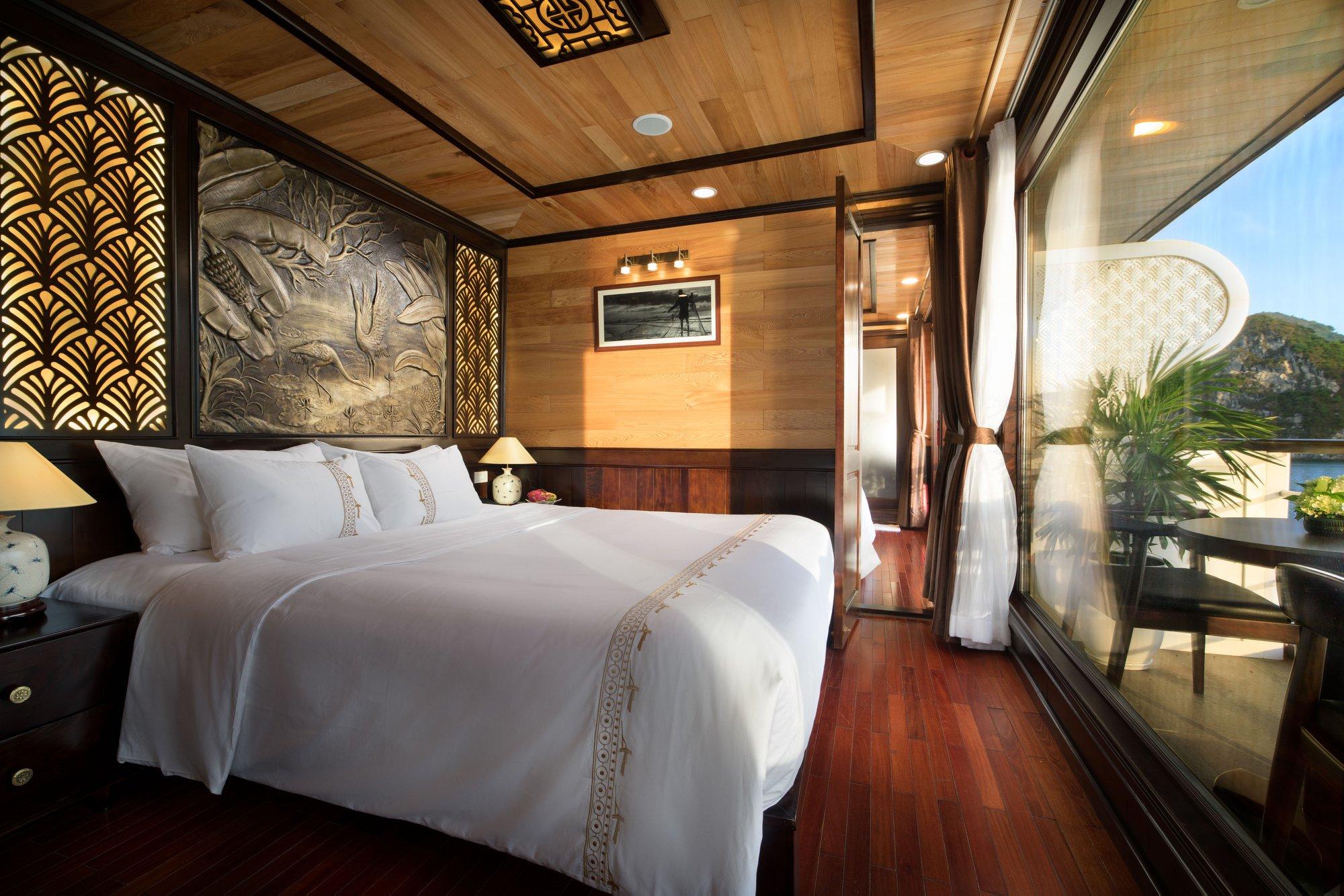 Perla Dawn Sails Lan Ba Bay Tour 3