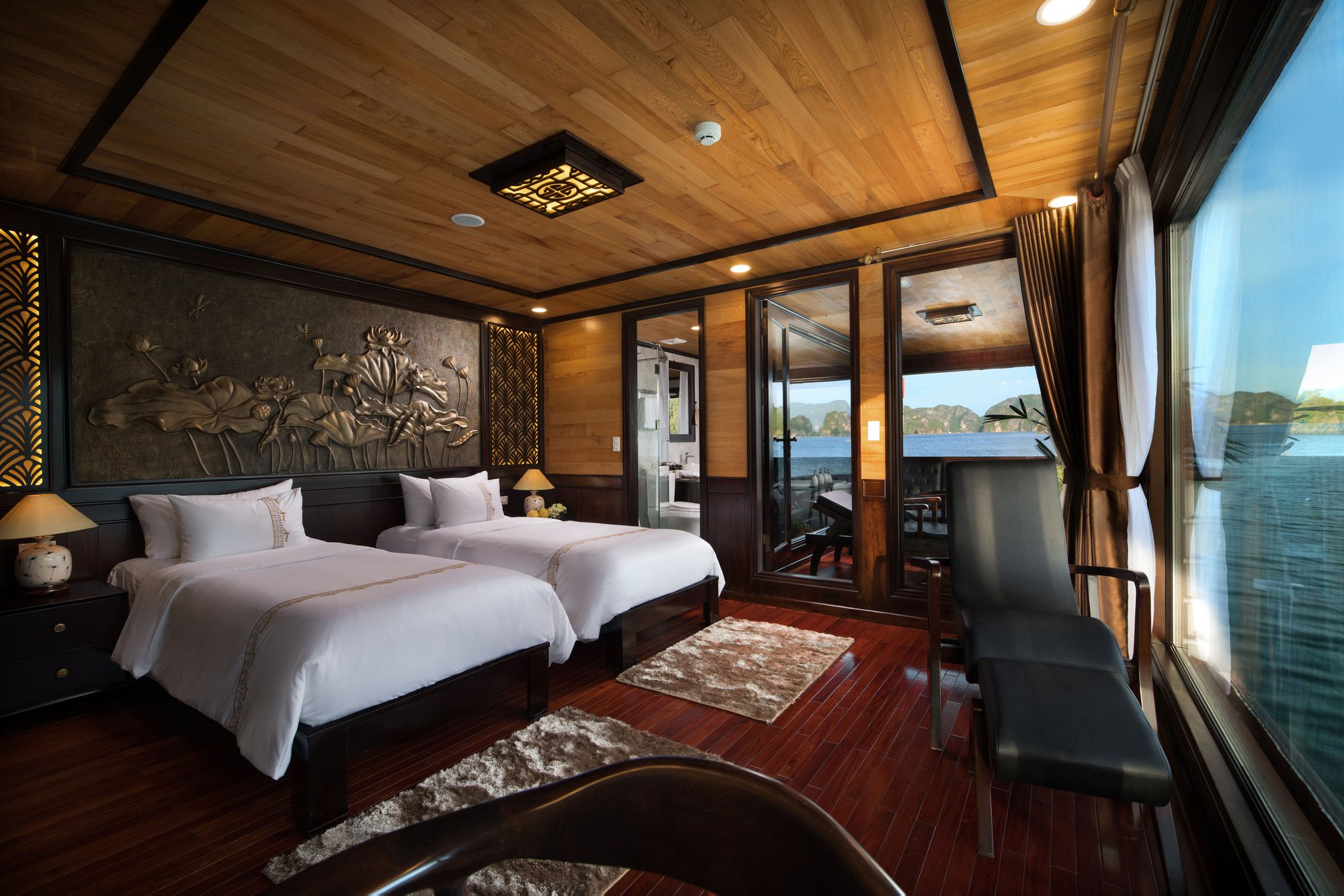 Perla Dawn Sails Lan Ba Bay Tour 4