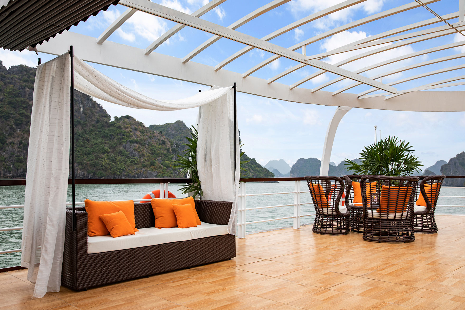 Halong Bay 1 day tour from Hanoi by Cruises 9
