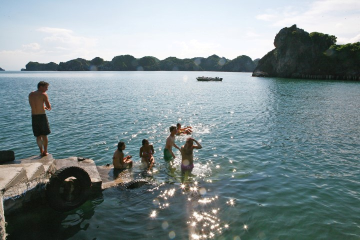 UNIQUE LAN HA - HA LONG FULL DAY TOUR 1